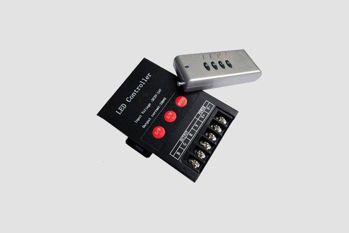 Centralina Controller RGB 5V 12V 24V 10A per canale